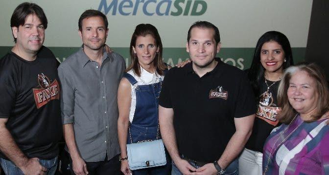 Enrique Noboa, Roberto Bonetti, Ligia Bonetti, Jesús López, Mabelissa Tempestti y Lil Esteva.