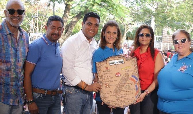 Induveca es reconocida en el Carnaval de La Vega