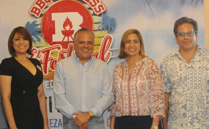 Ariela Rodríguez, César José de los Santos, Mileyka Brugal y  Paúl Brugal.
