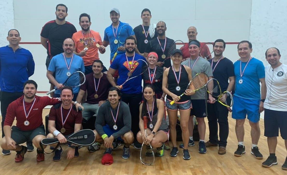 Hernández y María campeones squash