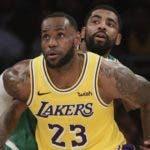 LeBron James se perderá la postemporada de la NBA. AP