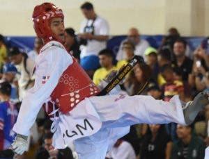 Edward Espinosa es  dueño  del cupo en los 58 kg.  ALBERTO CALVO