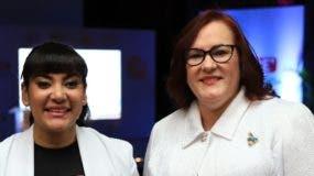 Robiamny Balcácer y Janet Camilo.