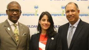 Ulrick Gaillad, Walesia Rivera y Juan Carlos Contreras.