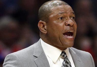 El técnico Doc Rivers, descarta salida de los Clippers.