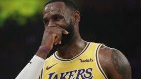 Por mucho esfuerzo que ha hecho LeBron James,  los Lakers no han podido salir del 'hoyo'.