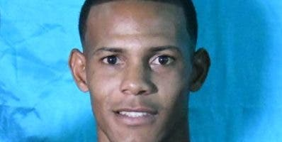 Derlyn Hernández se coloca la faja a disputar mañana.