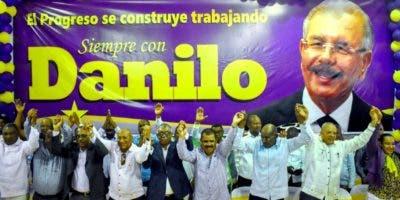 La dirigencia del PLD en Elías Piña y otros lugares se moviliza  a favor del continuismo de Medina. FUENTE EXTERNA