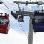 El transporte por cable  está integrado por 195 cabinas y cuatro estaciones .  José de León