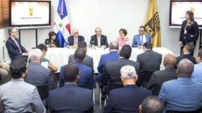 Pleno de la Junta se reunió  por menos de una hora  con los delegados de esas organizaciones.