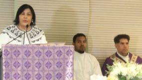 Milagros Ureña habla al oficiarse una misa.  fuente externa