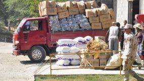 Los haitianos tendrán que facturar las mercancías que salen y entran a su país.  Archivo