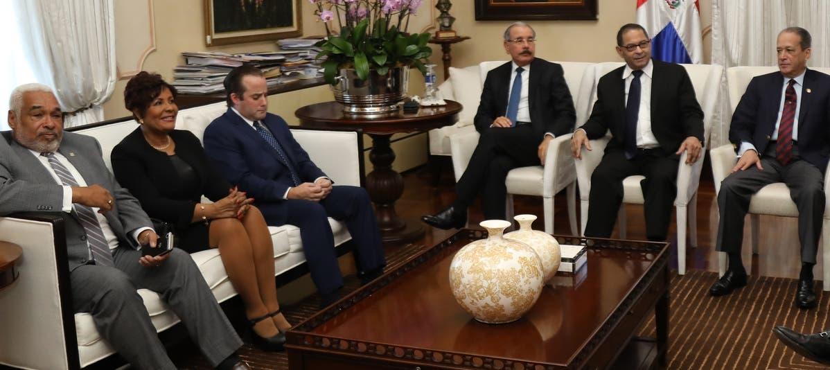 El presiente Danilo Medina encabeza reunión del Consejo Nacional de la Magistratura.