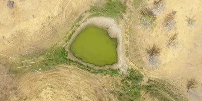 Vista aérea de la situación en la Línea Noroeste por la sequía.  Foto tomada a través de un dron por Elieser Tapia/El Día.
