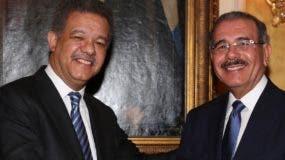Leonel Fernández y el presidente Danilo Medina encabezan simpatías dentro de  PLD.  archivo