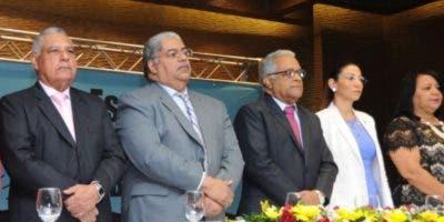 Autoridades de salud durante el acto de lanzamiento.  Archivo