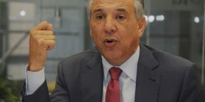 José Ramón Peralta,  ministro Administrativo de la Presidencia. Nicolás Monegro