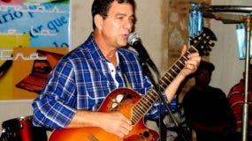 Claudio Cohén, cantante.