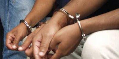 detienen-2-sujetos-en-altamira-tras-ocuparle-dinero-en-efectivo-porciones-de-drogas-una-pistola-y-celulares