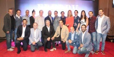 director-y-productor-juanot-al-elenco