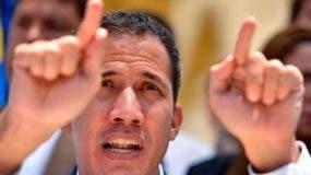 """Guaidó dijo que esa es una """"opción"""" que está sobre la mesa y que han hablado del tema no solo Estados Unidos, sino también con mandatarios como el presidente de Ecuador, Lenín Moreno."""