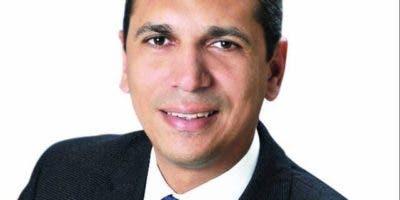 Omar Méndez Lluberes, regidor del PRM en el Distrito Nacional, denuncia monopolio controla exportaciones de carbón vegetal.