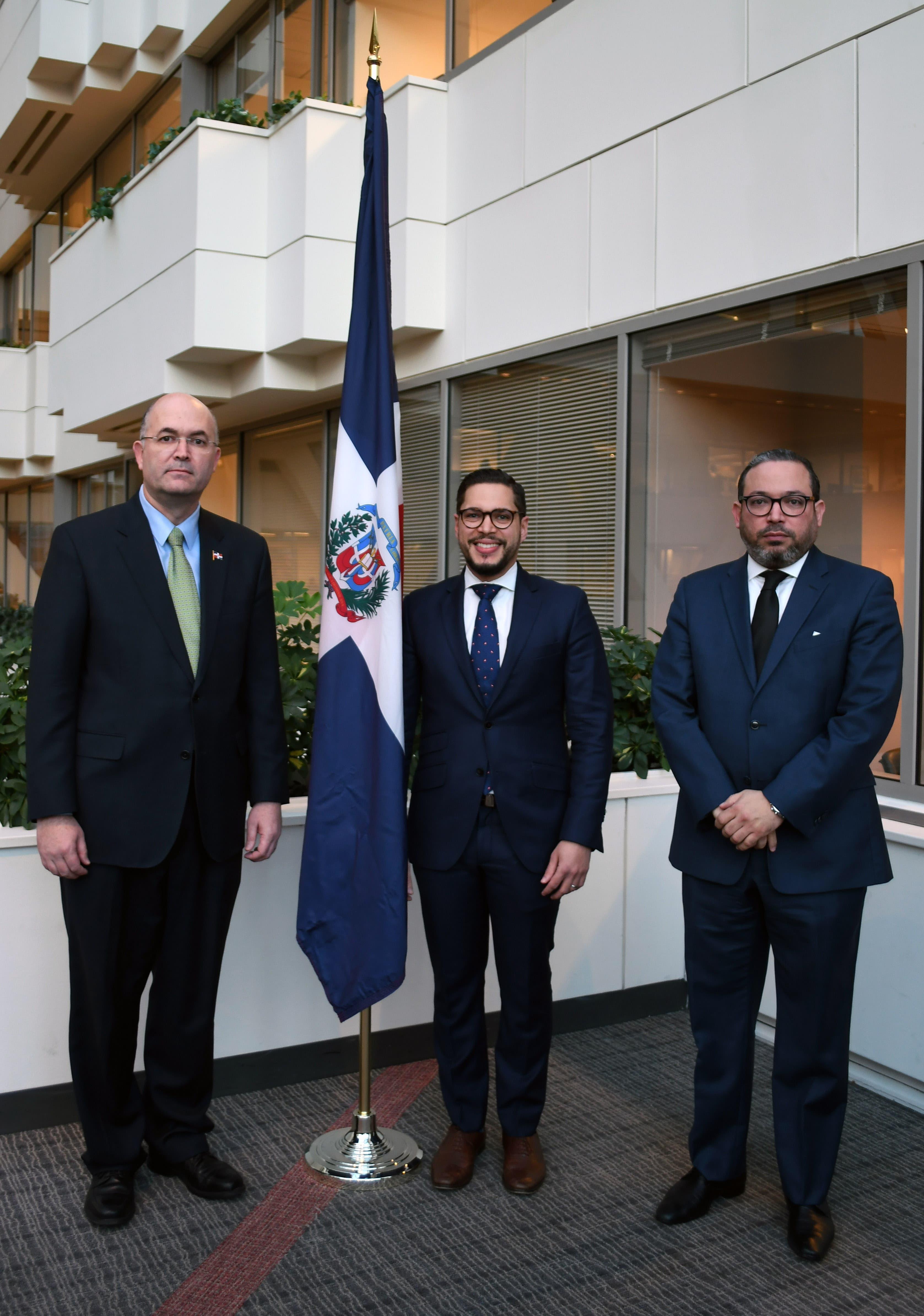José Luis Domínguez, ministro consejero_ Carlos Pared Vidal, DIrector Ejecutivo de RD ante el BID_ Edward Pérez, embajador alterno ante la Organización de Estados Americanos.