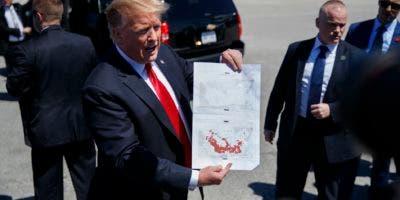 """El presidente Donald Trump dijo este viernes que """"ya era hora"""" de que el grupo no controle territorio en la región. (AP Photo/Carolyn Kaster)"""
