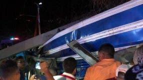 El accidente ocurrió en el tramo carretero Jarabacoa-La Vega.