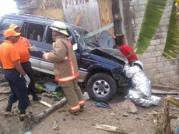 El accidente ocurrió a la altura del kilómetro 9 de la carretera Seibo-Miches (Pedro Sánchez).