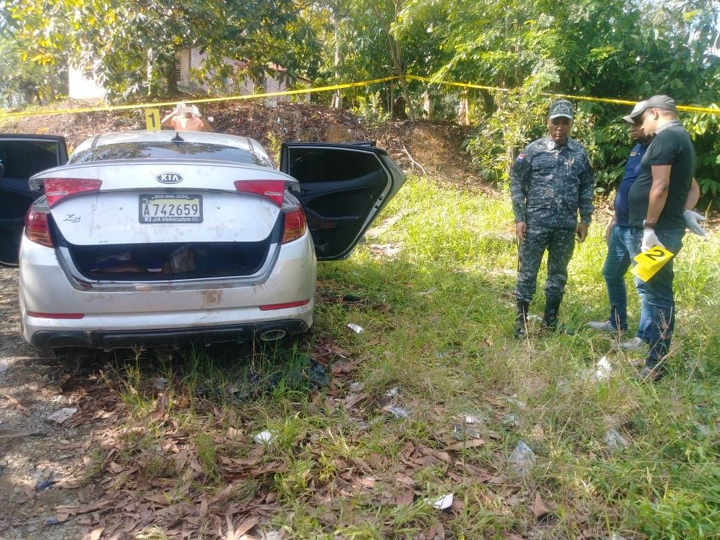 Las tres personas encontradas muertas dentro de vehículo en La Vega fueron ejecutadas, según fiscal de La vega