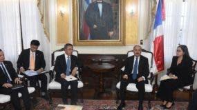 El presidente Medina recibió hoy en el Palacio Nacional al viceprimer ministro chino Hu Chunhua.