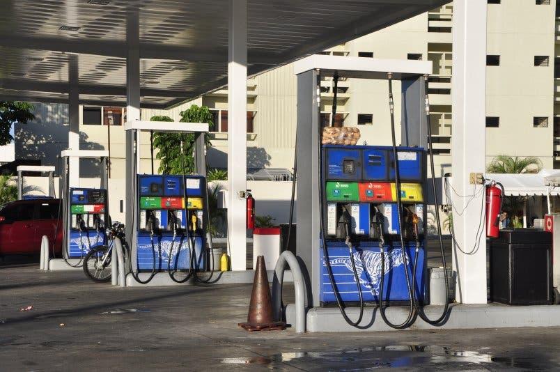 Gobierno vuelve a congelar los precios de los combustibles