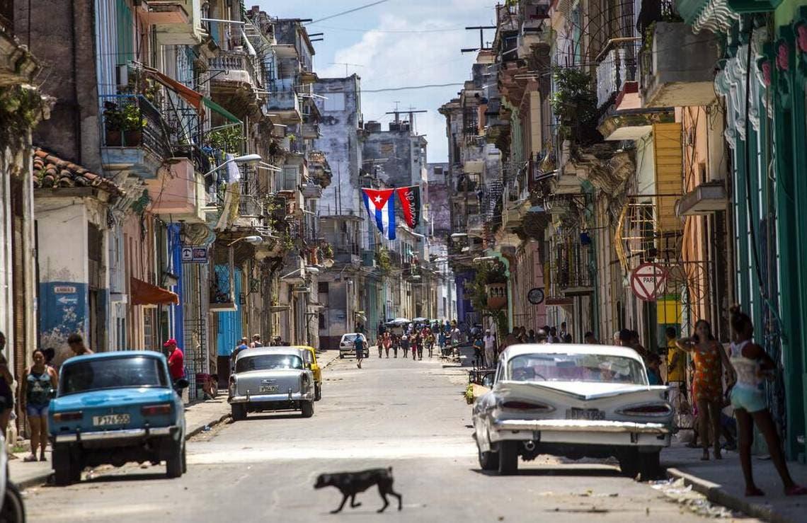 Una calle de la vieja Habana, Cuba.