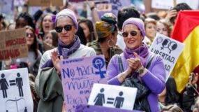 Concentración convocada por los sindicatos CCOO y UGT en Madrid, con motivo de la huelga feminista convocada para este viernes en toda España, en el Día Internacional de la Mujer. EFE/ Víctor Lerena