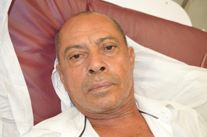 Julio Lantigua fue trasladado al hospital en estado delicado.