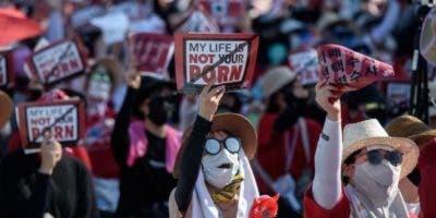 """Bajo el lema """"Mi vida no es tu porno"""", el año pasado cientos de mujeres salieron a las calles de Corea del Sur para protestar contra la """"epidemia"""" de las cámaras ocultas."""