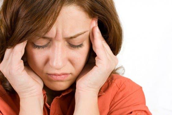 Cuando la persona se marea, lo más probable es que se sienta aturdido o que va a perder el equilibrio. El vértigo es cuando siente que, por ejemplo, la habitación donde se encuentra gira a su alrededor.