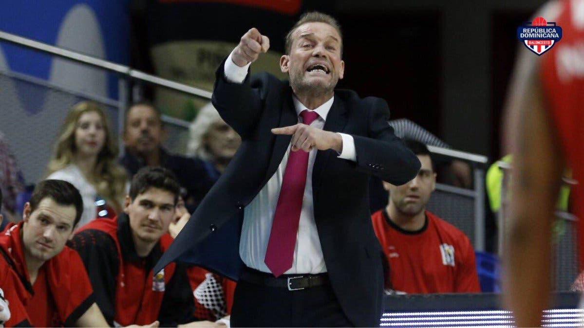 Néstor 'Che' García será el entrenador de la selección dominicana.