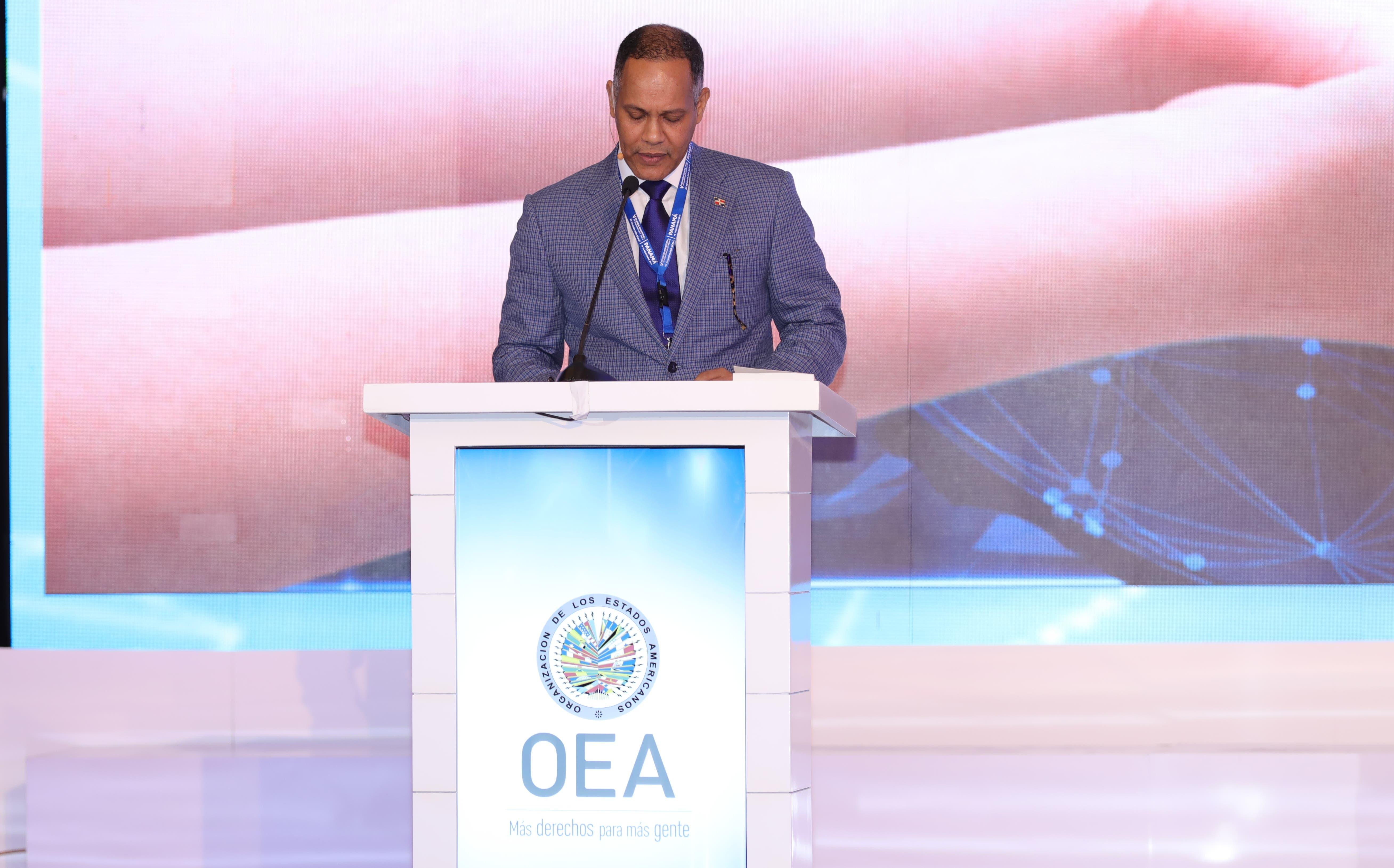 Armando García, director de la Optic.