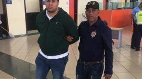 Randy Reyes Marmolejos  fue detenido en el aeropuerto.