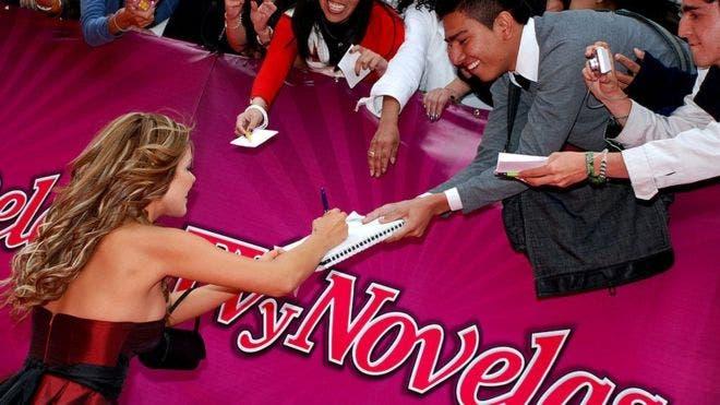 La revista TV y Novelas es una marca de Televisa.