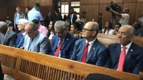 Los legisladores acudieron a apoyar a Tommy Galán.