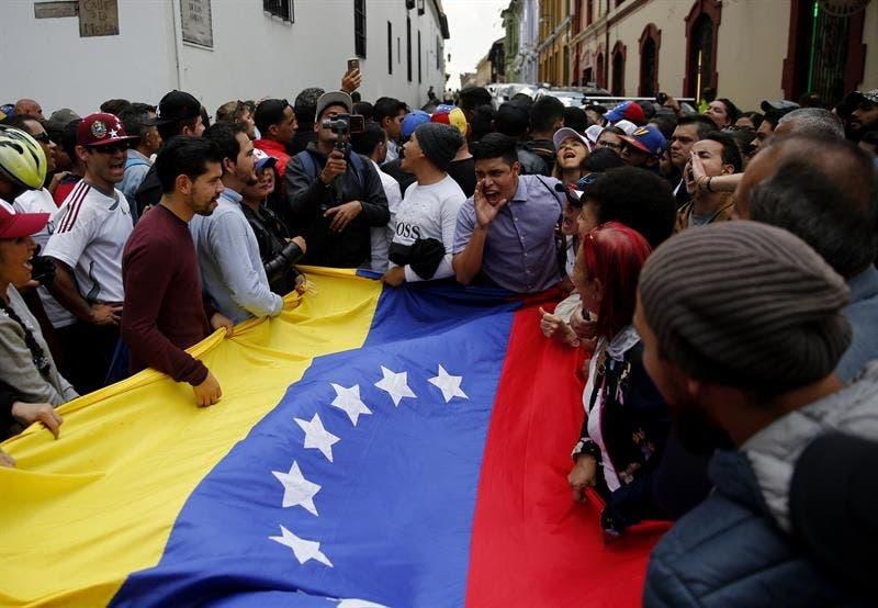 Venezolanos comenzaron a concentrarse este lunes en varias ciudades del país