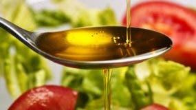 La Comisión Europea incluyó al aceite de oliva en una lista de productos adulterados.