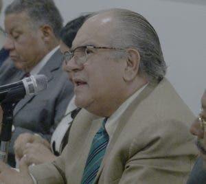 Jesús Feris Iglesias  durante su participación en el almuerzo.