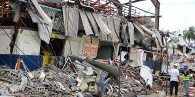 La fábrica de plástico después de la explosión.