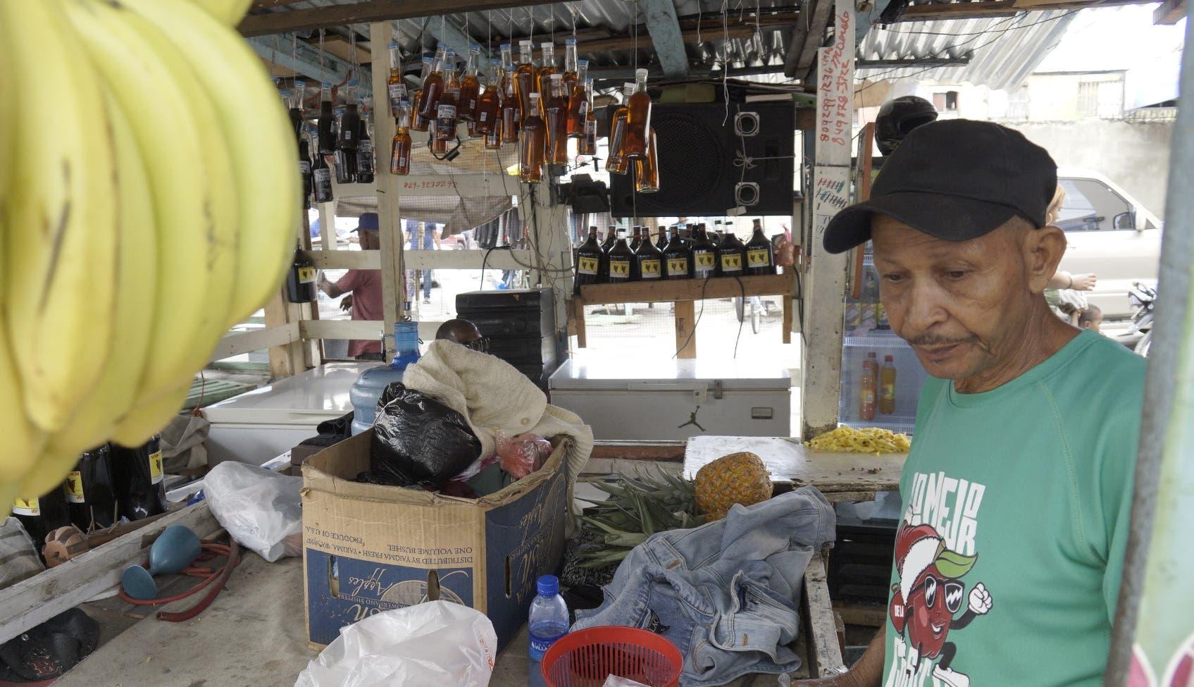 Pequeños  y medianos  empresarios son los más afectados por el crédito informal,  por elevados intereses de los préstamos  .  Elieser Tapia.