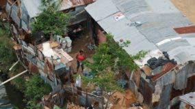 Un  23% de la población  vive en condición de pobreza.