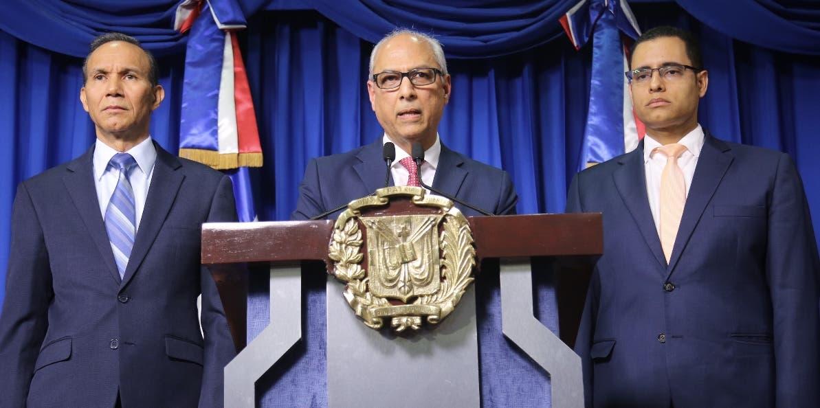 Winston Santos, Flavio Darío Espinal y Juan Ariel Jiménez   ofrecieron los  detalles.
